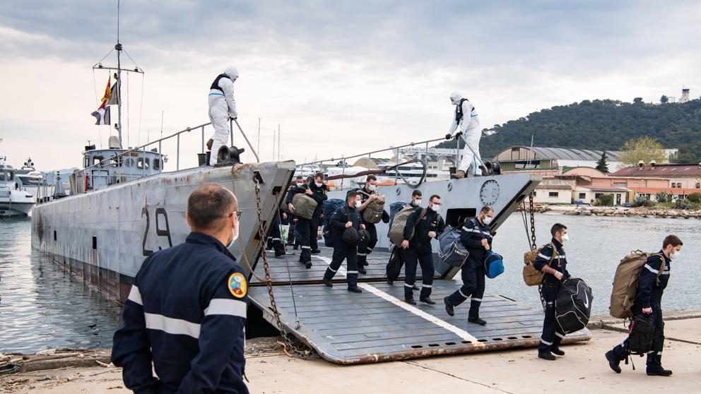 Portaviones francés Charles de Gaulle con el 41% de la tripulación infectada