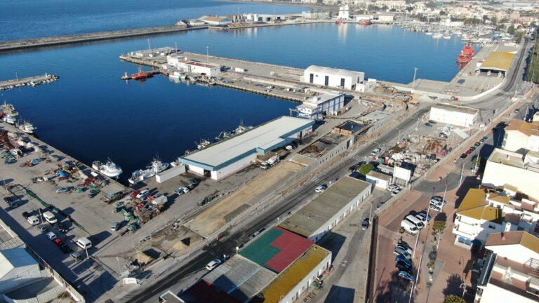En puerto de Motril ya se pueden hacer reparaciones de embarcaciones